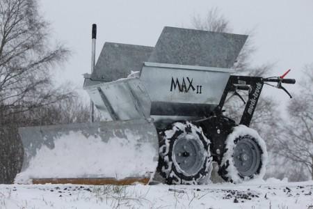 Max II mit Schneeschild